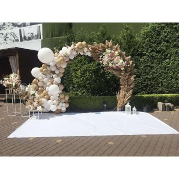 Фотозона весільна з сухоцвіттям