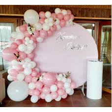 Фотозона рожева на хрещення дівчинки