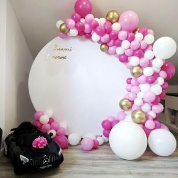 Кругла фотозона для дівчинки на день народження
