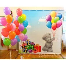 Фотозона з кольоровими кульками
